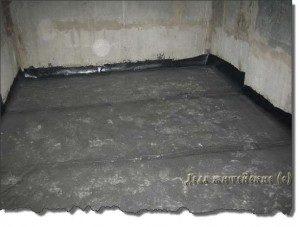 Строительство погреба (или подвала) на даче для хранения урожая.