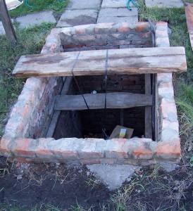 насосная яма во дворе